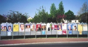 Angers, April 2002: sixteen candidates for one throne.